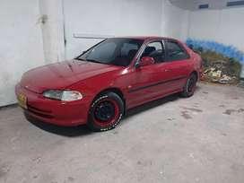 Vendo hermoso Honda civic modelo 1995 automatico y papeles al dia listo para hacer negocio