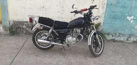 La moto esta caida 6 meses bien conserbada  $1500  negociable llamar