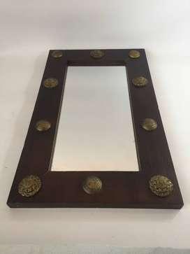 espejo con marco de madera como nuevo