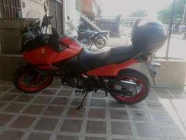 Vendo linda moto vestrom  14'500.000