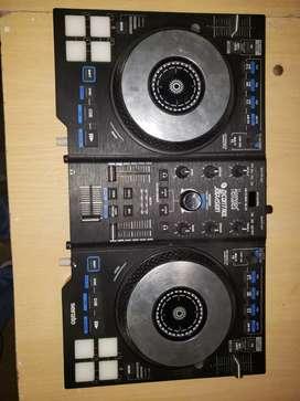 Dj Completo, consola y Mixer, amplificador y parlantes