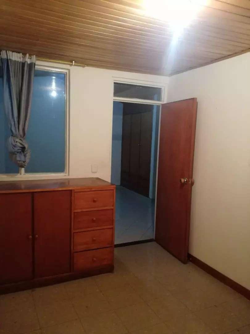 Se arrienda habitación para dama(sola) incluye servicios, Internet y uso de áreas comunes 0