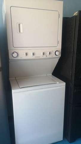 , venta de Torre lavadora Marca frigidaire a gas poco uso excelente estado