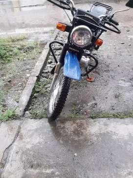 Se vende moto honda cgl 125 seminueva