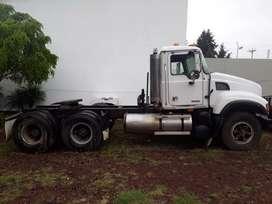 Tracto camión Mack Granite 2003 Usado , Quito