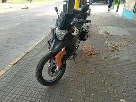 Moto touring 250