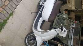 Vendo moto prácticamente nueva