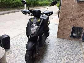 Se vende moto marca  kymco-125cc