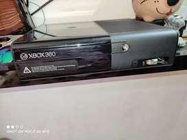 Xbox 360E control y juegos