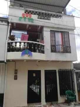 Vendo casa de 3 plantas en la nueva Villa, Cuba.