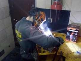 Carter de aluminio rajado reparo, soldaduras en aluminio.