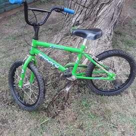 Vendo bici niño rodado 16