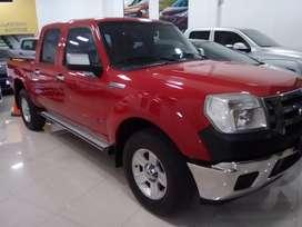 Vendo Ford Ranger XLT 3.0 4x2  cubiertas nuevas exelente estado