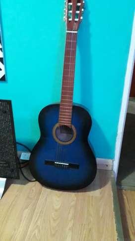 Vendo guitarra criolla sin uso...impecable