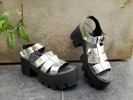 Vendo zapatos plateados t38