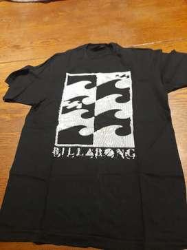Remera negra Billabong estampada