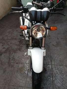 Moto Honda Twister 2012