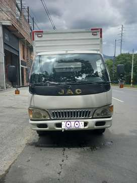 Vendo jac 1045 lista para traspaso 3 toneladas