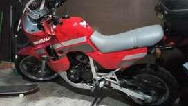 Vendo moto y nueva