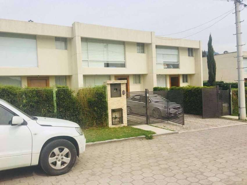 Renta, alquiler casa, Sector Lumbisi, Colegio Spelman, El Potrero, Cumbaya, Ruta Viva 0