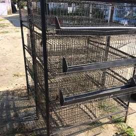 Venta de jaulas para codornices, ponederos y bebederos para gallinas