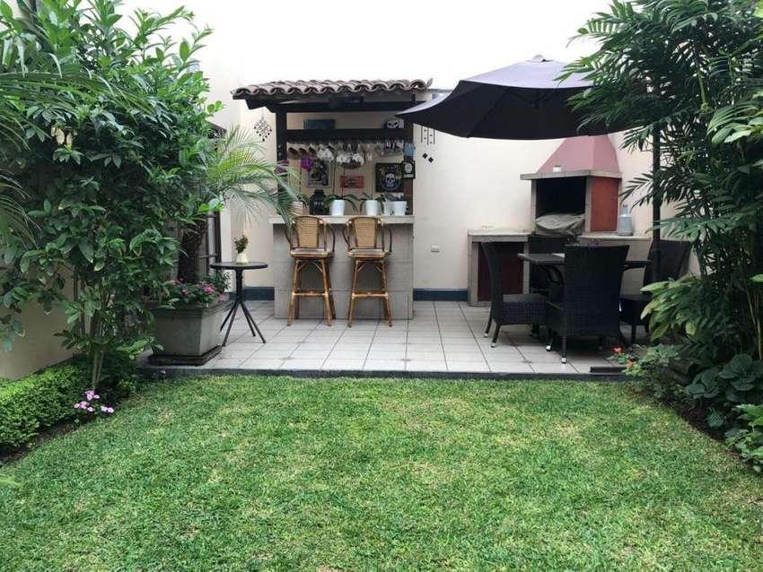 Venta de Linda Casa en Miraflores - Urb. San Antonio 0