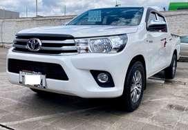 Toyota hilux 4x2 2.7 a gasolina full equipo año  2018 con 28.000 km.