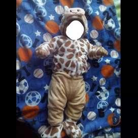 Se venden disfraces para bebés.
