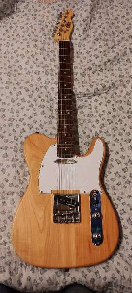 Vendo permuto guitarra telecaster