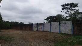 Alquilo Terreno Comercial de 450 metros cuadrados en la carretera principal frente a las Piscinas Manila en Quevedo