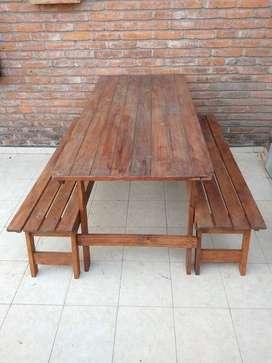 mesa y bancos para patio o balcón