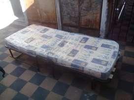 Cama con colchón 1 plaza