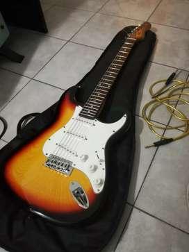 Guitarra eléctrica Texas y amplificador crimson