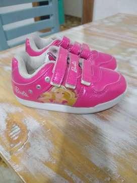 Zapatillas de nena Barbie