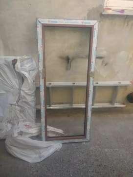 Ventana fija  PVC 1.40x0.60 sin vidrio.