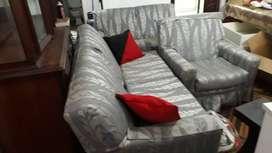 Juego de muebles  cuero gamuzado con funda protectora y cojines