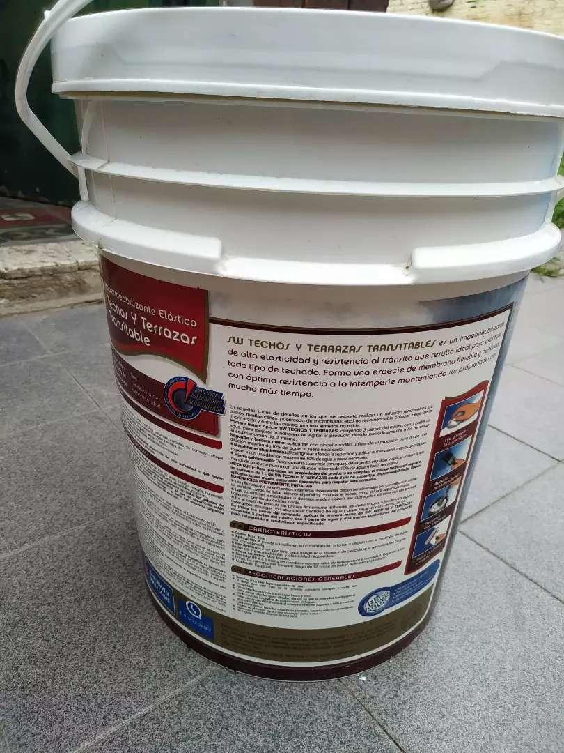 Vendo membrana liquida Sherwin 20 litros color rojo 0