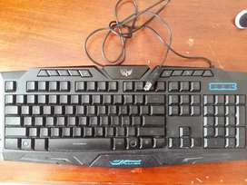 Teclado semi gamer