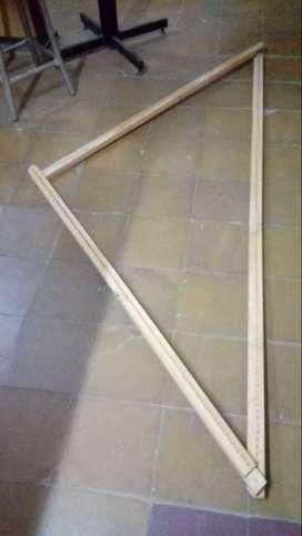Se vende telar triangular en perfecto estado ( medidas: 1,80 x 1,20)