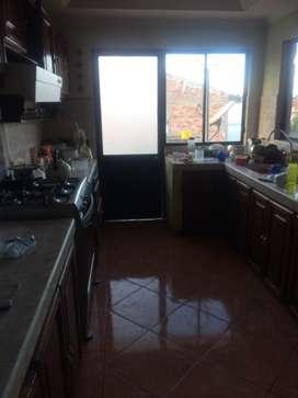 Departamento con lavandería primer piso