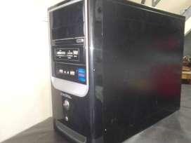PC escritorio ADMIRAL 2gb RAM 120gb HDD
