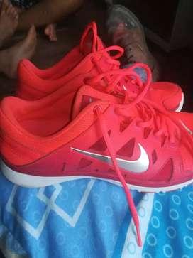 Vendo zapatos o cambio