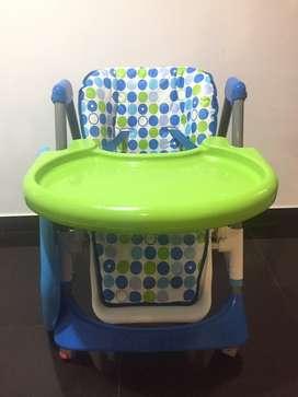 Silla de comer para bebe c/ mesa desmontable/ regulable en altura nuev