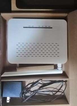 Vendo router Huawei nuevo con su cargador y caja.