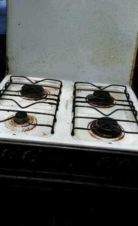 Cocina de 4 Quemadores con Horno
