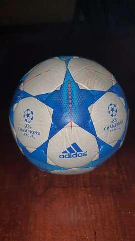 Pelota de futbol ADIDDAS CHAMPIONS LEAGUE