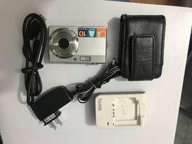 Camara digital BenQ con accesorios
