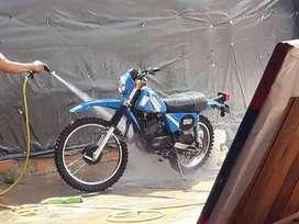 Vendo Moto suzuki Ts185er semi nueva 1 año de uso guardada desde 1994 es una verdadera reliquia para los amantes de las
