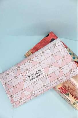 Billetera con diseño juvenil