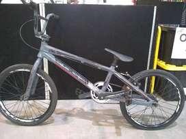 Bicicleta Edge R20